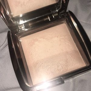 Hourglass ambient lighting powder in mood light.